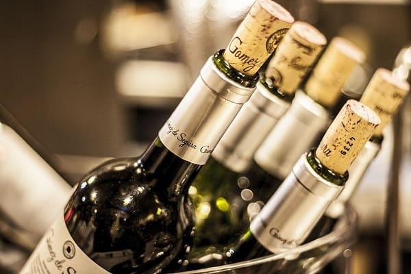 การปิดจุกคอร์ก (Cork) ของไวน์