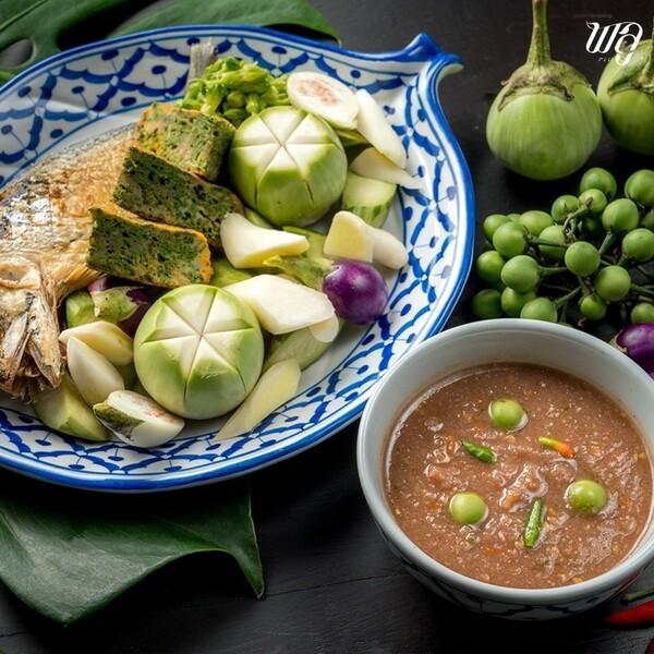 น้ำพริกกะปิ อีกหนึ่งเมนูขึ้นชื่อของร้านพลู ที่ยิ่งทาน ยิ่งอร่อย